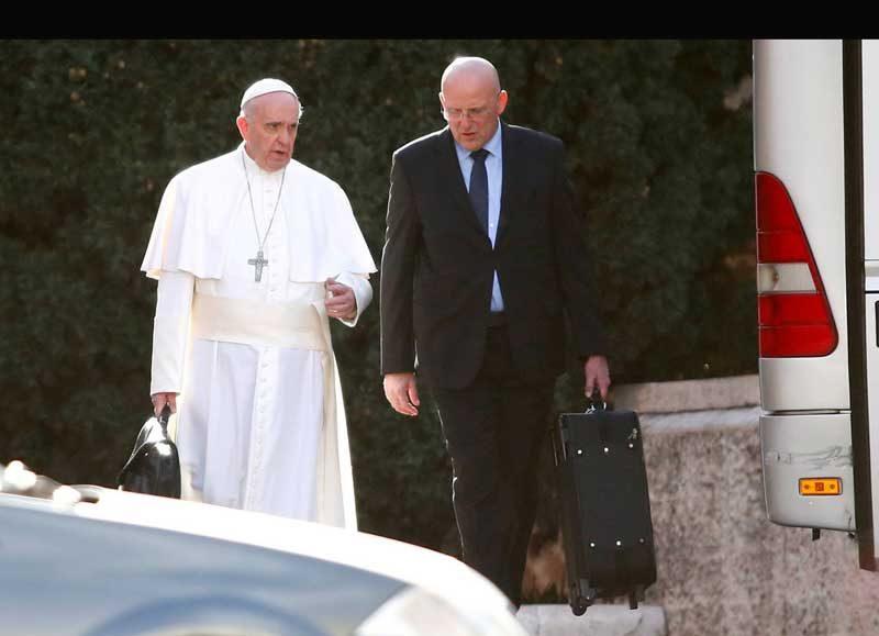 Interminable pulseada entre Francisco y cierta mafia vaticana
