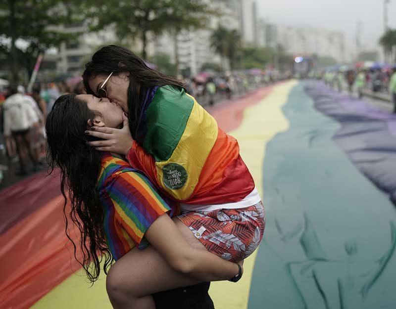 Cuando el LGBT+ obliga a temer a los 'progresistas seculares'