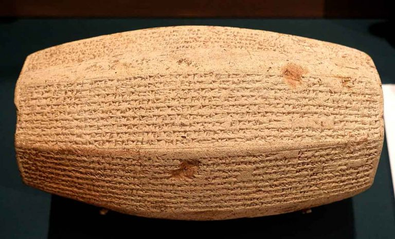 Sargon II, el rey que completa la historia